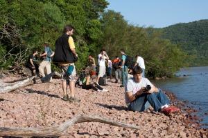 Eu e os alunos no Parque de Itapuã - foto de Fernanda Coelho
