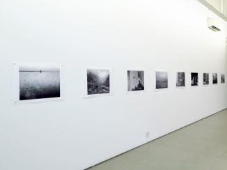 Em primeiro plano uma das fotos de Zé Paiva.