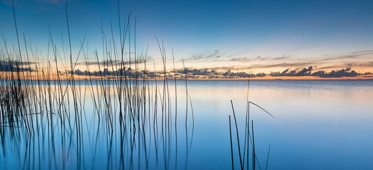 Um dos deslumbrantes pores de sol na Lagoa dos Patos.
