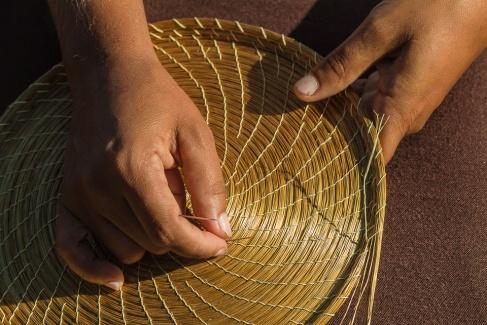 Artesanato em capim-dourado, Mumbuca.