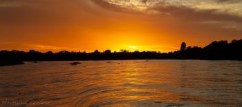 Pôr do sol no Rio Cuiabá, foto de Martinha Cardoso.