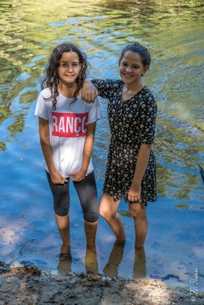 Meninas ribeirinhas no Parque Estadual do Cantão, Caseara, Tocantins - foto de Zé Paiva