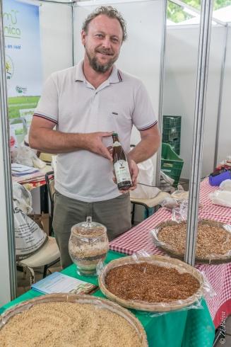 Produtor agroecológico do assentamento Filhos de Sepé.